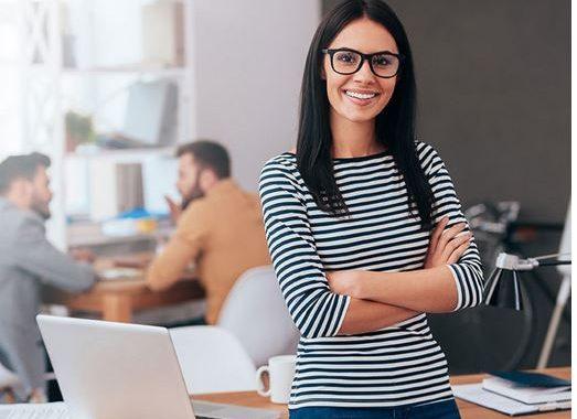 Mulheres E Liderança: Como As Empresas Incentivam A Igualdade