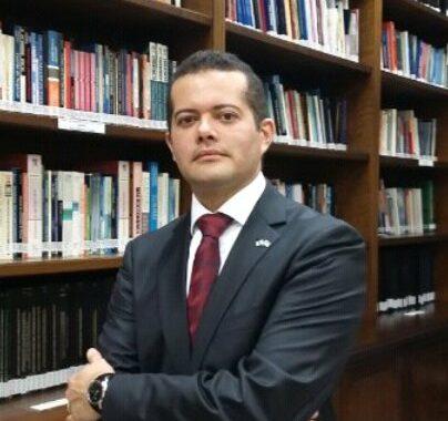 Professor IBE Conveniada FGV Palestra Em Happy Hour Solidário