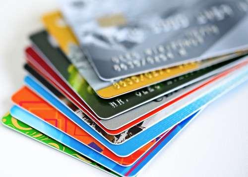 Vale A Pena Ter Conta-corrente E Cartão De Crédito De Bancos Diferentes?