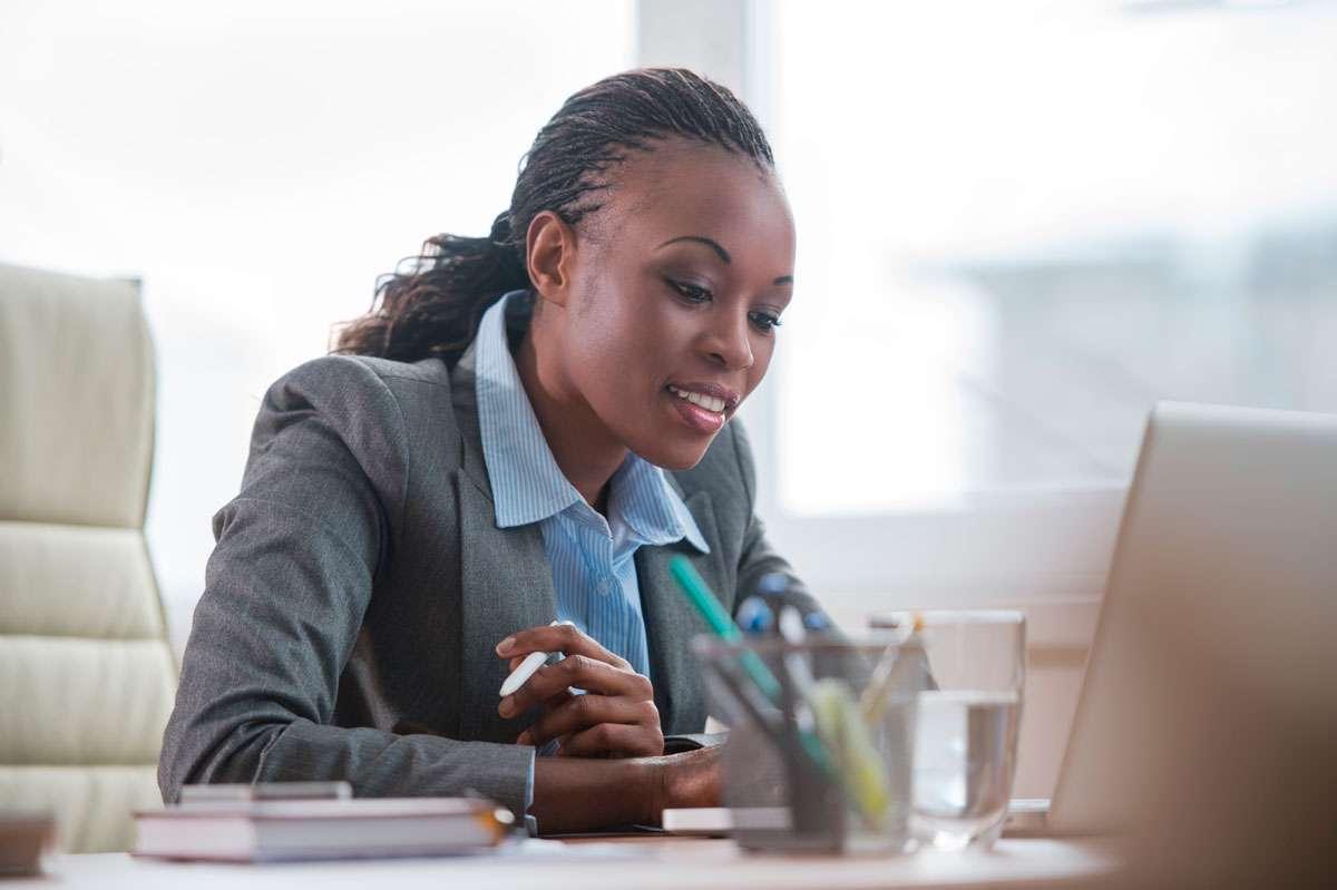 Carreira Profissional Da Mulher: Como Apresentar Seu Valor Perante O Mercado?