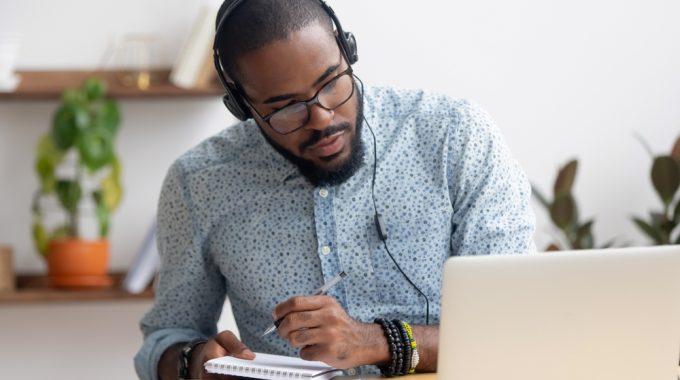 Flexibilidade E Custo Reduzido São Vantagens Do MBA Online