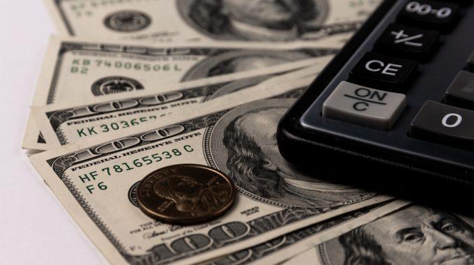 Câmbio: Dólar Recua Ante Real Com Foco Em Intervenção Do BC