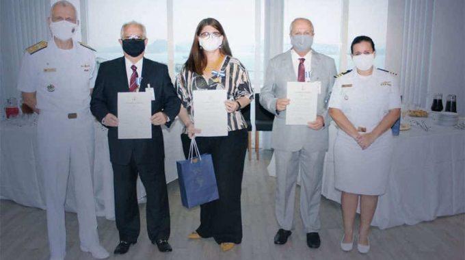 Consultores Da FGV Projetos Recebem O Título Amigo Da Marinha